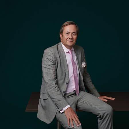 Portrait of Alain de Borchgrave, consultant at Eric Salmon & Partners