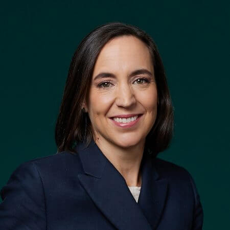 Portrait of Caroline Lotz, consultant at Eric Salmon & Partners