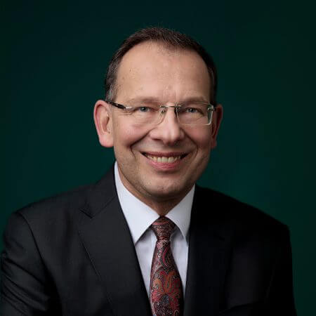 Portrait of Lutz Tilker, consultant at Eric Salmon & Partners