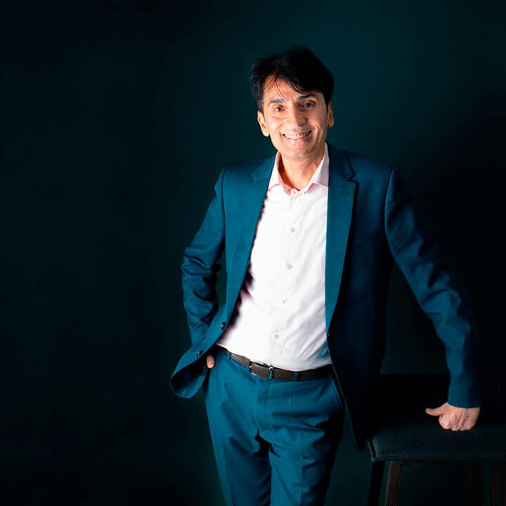 Portrait of Praf Vagh, consultant at Eric Salmon & Partners